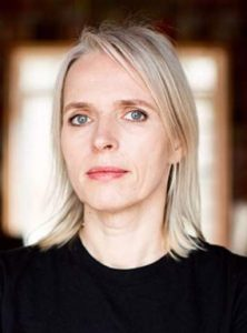 """Annette Hess """"Η διερμηνέας"""" από τις εκδόσεις Ψυχογιός"""