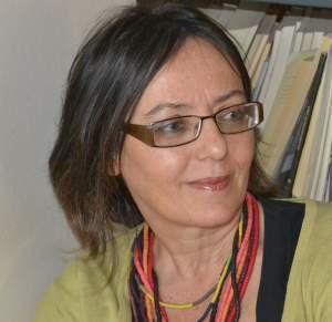 Ο οδηγός και η πόλη, γράφει η Χριστίνα Φραγκεσκάκη
