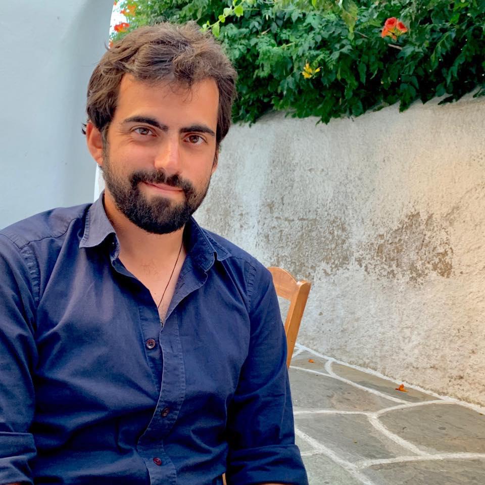 Συνέντευξη: Χαρίλαος Νικολαΐδης «Θέλουν πολλά παρακάλια οι λέξεις για να μπούνε στη σωστή σειρά»
